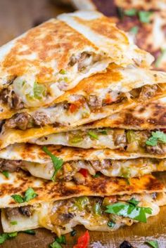 Philly Cheesesteak Quesadillas are filled with beef and melted cheese in a toasted tortilla. An easy, make-ahead quesadilla recipe done in under 30 minutes. Kitchen Recipes, Cooking Recipes, Beef Recipes, Recipes With Steak, Cooking Videos, Mexican Dishes, Mexican Food Recipes, Steak Quesadilla, Mexican Quesadilla