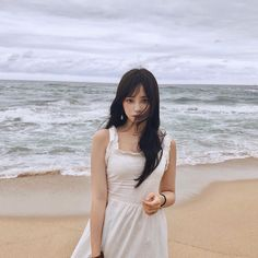 something special ♡ Korean Best Friends, Ulzzang Korean Girl, Uzzlang Girl, Romantic Outfit, Pretty Asian, Korea Fashion, Beach Girls, Ms Gs, Girl Photos