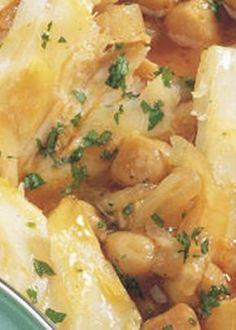 Bacalhau Guisado com Grão Cod Fish Recipes, Seafood Pasta Recipes, Asian Recipes, Beef Recipes, Chicken Recipes, Cooking Recipes, Healthy Recipes, Savoury Recipes, Bacalhau Recipes