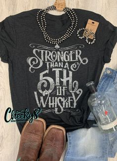 Country Girl Shirts, Cute Country Outfits, Western Shirts, Shirts For Girls, Country Saying Shirts, Western Sayings, Bleach Shirts, Vinyl Shirts, T Shirts With Sayings
