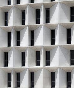 Edifício de Economia & Mestrado UNAV / Juan M. Otxotorena © Ruben Perez Bescos