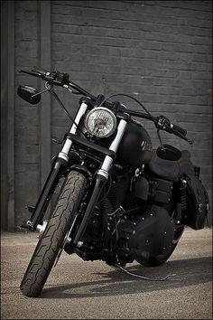 Harley-Davidson Street Bob FXDB