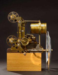 Projecteur de 75mm conçu pour l'exposition universelle de Paris en 1900