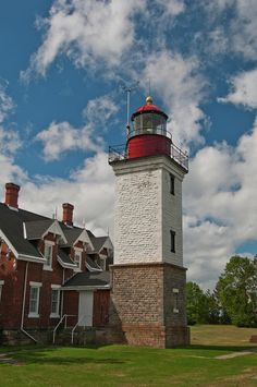 ✯ The Dunkirk (New York) Lighthouse on Lake Erie