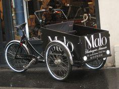 La boulangerie Malo à Paris, en Christianiabikes #christianiabikes #cargobike #velocargo