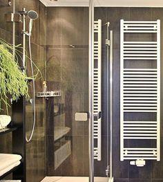 "Bathroom in our Apartment ""Beach"" in Vienna, Antonigasse. Live, work, travel & enjoy @ Rafael Kaiser Premium Apartments in Vienna, (Europe). Find out more here: www.rafaelkaiser.com Work Travel, Vienna, Austria, Apartments, Europe, Bathroom, Live, Beach, Graz"