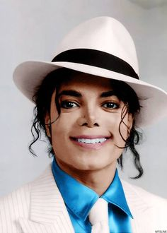 Forever lives the King of Pop known as Michael Jackson😪 Michael Jackson Smooth Criminal, Michael Jackson Bad, Michael Jackson Kunst, Michael Jackson Wallpaper, Jackson Family, Janet Jackson, Mikel Jackson, Charlize Theron, Jackson's Art