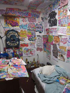 Todd James 'King of the Wild Frontier' exhibition Graffiti Drawing, Graffiti Lettering, Street Art Graffiti, Graffiti Room, Chill Room, Indie Room, Aesthetic Room Decor, Pretty Room, Room Decor Bedroom