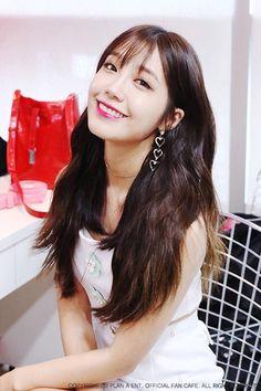 Kpop Girl Groups, Korean Girl Groups, Kpop Girls, Lovely Eyes, Very Lovely, Eunji Apink, All Actress, Pink Panda, Eun Ji