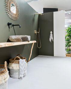 See our domain for more that is related to this extraordinary green bathroom Hall Bathroom, Upstairs Bathrooms, Shabby Chic Interiors, Shabby Chic Decor, Tadelakt, Bathroom Inspiration, Bathroom Ideas, Bathroom Goals, Bathroom Designs