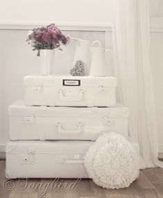 how to paint suitcases  I've seen these used as a night stand