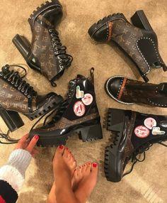 b99667dc5dbb 51 imágenes encantadoras de Wow boots en 2019