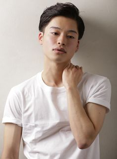 爽やかツーブロック(髪型メンズ) Hair Beauty, Boys, People, Mens Tops, Style, Middle Hair, Baby Boys, Swag, Senior Boys
