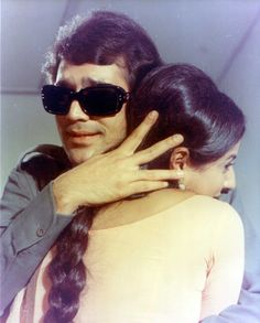 Play Quiz, Rajesh Khanna, Story Titles, Home Movies, Meme Template, Indian Bollywood, Hd Images, Superstar, Photo Galleries