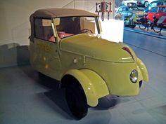 Peugeot vlv - 1941 Peugeot, Den, Antique Cars, Museum, French, Antiques, Vehicles, Collection, Vintage Cars