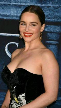 Beautiful Celebrities, Beautiful Actresses, Gorgeous Women, Arab Celebrities, Emilia Clarke, Hot Actresses, Hollywood Actresses, British Actresses, Beauty Full Girl