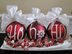 15 easy and creative christmas crafts ideas for adults and children - Other words: NOEL, JESUS, SNOW, etc. Christmas Ornament Sets, Noel Christmas, All Things Christmas, Winter Christmas, Christmas Bulbs, Red Ornaments, Christmas Greetings, Handmade Christmas, Vinyl Ornaments