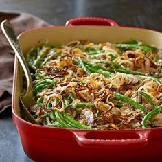 The Ultimate Green Bean Casserole with Crispy Fried Shallots. Making this for Thanksgiving instead of the usual green bean casserole. Thanksgiving Side Dishes, Thanksgiving Recipes, Italian Thanksgiving, Happy Thanksgiving, Blanching Green Beans, Classic Green Bean Casserole, Shallot Recipes, Coquille Saint Jacques, Fried Shallots