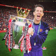 Happy birthday, Edwin van der Sar. The Old Trafford favourite made 266 appearances for #mufc and is widely regarded as one of the greatest goalkeepers in history.