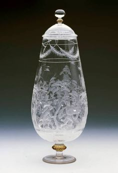 Vase en cristal de roche, attribué à l'atelier des Saracchi, Italie (Milan), dernier tiers du XVIe siècle. Collection du Grand Dauphin, fils de Louis XIV – Madrid, Musée du Prado