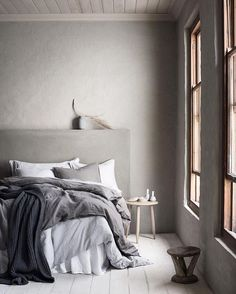 Custom CONCRETE Bed Head ... cos some things are worth getting concussion for :) Shot by @piaulin for @hm_home. Team DS. X #designstuff #bedhead #concrete #cement #bedroom #bedroomdecor #bedroomdesign #bedroomstyle #bedroomstyling #scandinavianstyle #scandistyle #rustic #grey #neutral #hm #hmhome