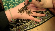 Arabic Mehndi Designs, Mehndi Patterns, Mehndi Tattoo, Mehndi Art, Makeup Studio, Beauty Studio, Henna Plant, Mehndi Brides, Henna Artist