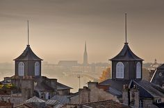 Bordeaux Skyline