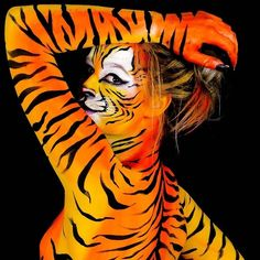 Tiger woman  Do you like it? #tiger #woman #tigerwoman #tigerbodypaint #tigerbody #bodypainting #bodypaintings #bodypaint #paint…