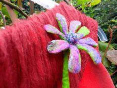 Flower Brooch, Xmas Gifts, Vintage Flowers, Flower Birthday, Birthday Gifts, Unisex, Wax, Vintage Fashion, Felt