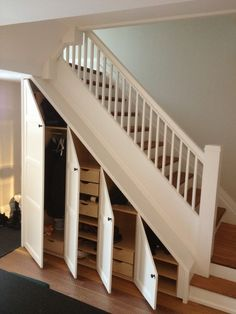 Kast Trap Hal In 2019 Closet Under Stairs Staircase Storage Closet Under Stairs, Space Under Stairs, Under Stairs Cupboard, Hallway Closet, Under Staircase Ideas, Closet Doors, Room Closet, Under The Stairs, Open Stairs