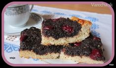 Makový koláč s višňami