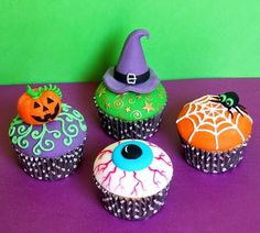 Cupcakes de Halloween - Fotos e Como Fazer | Toda Atual Magnum Paleta, Deli, Luxury Fashion, Fondant, Boutique, Halloween Ideas, Desserts, Food, Home Decor