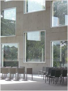Zollverein School of Management and Design / SANAA (Essen, Germany 2006)