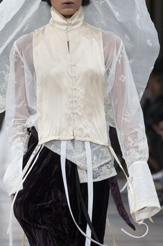 Ann Demeulemeester at Paris Fashion Week Fall 2017 - Details Runway Photos The Effective Pictures We Offer You About Runway Fashion black A quality picture can tell you many things. You can find the m Fashion Details, Look Fashion, High Fashion, Fashion Show, Fashion Design, Steampunk Fashion, Gothic Fashion, Fall Fashion, Fashion Outfits