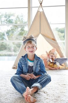 Portrait of little boy in front of teepee tent with sister in background by Trinette Reed - Stocksy United Cute 13 Year Old Boys, Young Cute Boys, Cute Little Boys, Teen Boys, Toddler Boys, Kids Boys, Kids Fashion Boy, Men's Fashion, Barefoot Kids