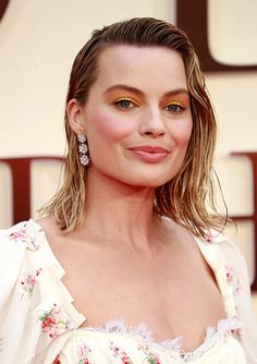 Margot Robbie's Wet Hair Look at a London Premiere - The Most Daring Red Carpet Hairstyles of 2017 - Photos