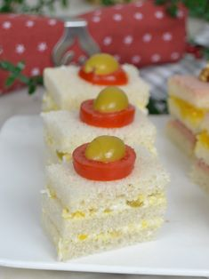 Canapés para Navidad con pan de molde. 3 ideas fáciles y deliciosas - Juanan Sempere Bacalhau Recipes, Appetizer Recipes, Appetizers, Ideas Fáciles, Vanilla Cake, Sandwiches, Cheesecake, Food And Drink, Snacks