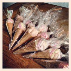 traktatie: Spek ijsjes