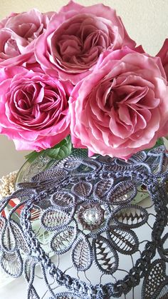 Point Lace Crochet by Hitsuzi at http://www.tsurumo.net/blog
