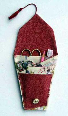 Simple Sewing Companion - a lovely idea for shoeboxes for girls 10-14 boxes
