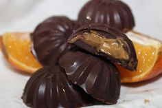 Roz's Chocolate Orange Natural Born Feeder, Chocolate Orange, Sweet Treats, Healthy Eating, Sweets, Healthy Recipes, Ethnic Recipes, Food, Eating Healthy