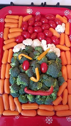Grinch veggie tray
