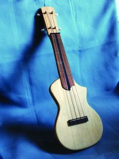 EDWOOD slim ukulele