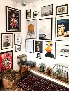 Gallery wall at home - interior art deco room decoration room . - Gallery wall at home – Art Deco interior room decoration room decor room - Decor Room, Living Room Decor, Living Spaces, Wall Decor, Bench Decor, Bohemian House, Bohemian Decor, Boho, Bohemian Wall Art