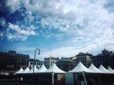 La Feria de Libros en Plaza del Castillo. #book #books #square #plaza #sky #skyporn #gasteluko #instagramers #instalove #instagood #instagram #instacool #cloud #clouds #cloudporn #love #amazing #pamplona #navarra #europe