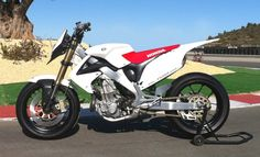 Trick Supermotard Picture Thread - Page 44 - Custom Fighters - Custom Streetfighter Motorcycle Forum