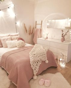 Pink Bedroom Decor, Room Design Bedroom, Bedroom Decor For Teen Girls, Cute Bedroom Ideas, Girl Bedroom Designs, Room Ideas Bedroom, Small Room Bedroom, Pink Bedrooms, Small Girls Bedrooms