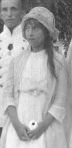 anastasia grand duchess or grand impostor essay This photograph shows the grand duchess anastasia, youngest daughter of tsar   imposter: anna anderson claimed to be the grand duchess anastasia  although her claims are much  essay- anastasia manahan: the art of the  imposter.