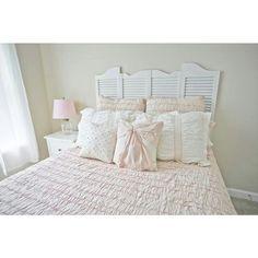 https://i.pinimg.com/236x/b7/1a/77/b71a77fc49594dbd86dc5f7cc28eb460--kohls-bedding-pink-bedrooms.jpg