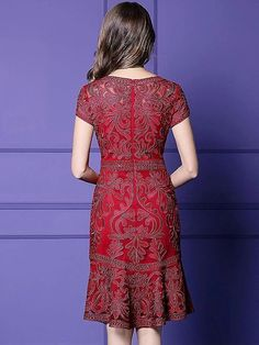 Fashion Embroidery O-Neck Short Sleeve Midi Dress